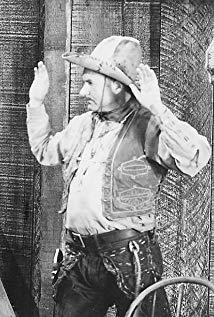 Ralph Bucko演员