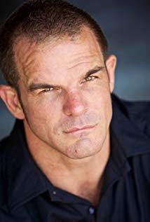 Ian Roberts演员