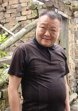 碰碰和 Jianlin Hu演员