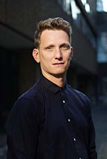 汤姆·哈伯 Tom Harper演员