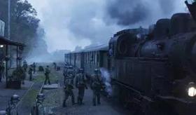 《美丽人生》之后,终于看到了另一部同样感人的战争片
