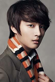 尹施允 Shi-Yoon Yoon演员