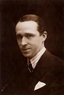 Armand Bernard演员