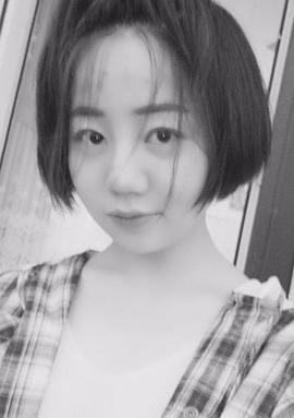 银静文 Jingwen Yin演员