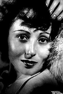 路易丝·赖纳 Luise Rainer演员